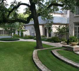 Faux-Grass-Obelisk-Home