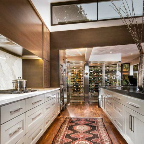 5 Things Every High End Kitchen Needs